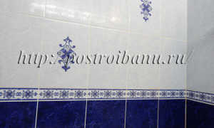 Плитка в бане на стене